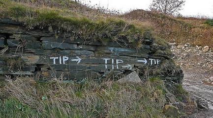tip_tip_tip_with_arrows_on_cross_ties